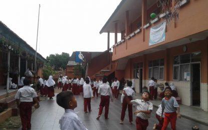 Anak-anak SDN Julang Meriahkan Hari Ramah Anak