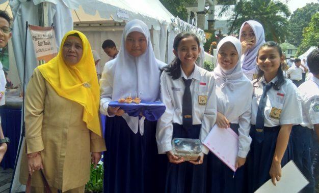 Naget Singkong SMPN 15 Bogor Menarik Minat Pengungjung